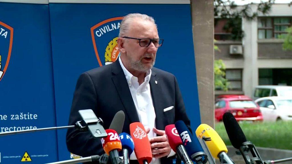 Božinović o novom režimu na granicama, evo tko će sve morati predočiti negativan test
