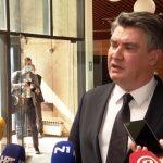 """Milanović """"planuo"""" na novinare HRT-a. Evo kako je izgledalo """"čašćenje"""""""