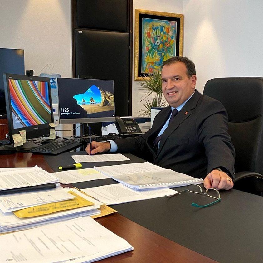 Ministar zdravstva Vili Beroš izašao je iz izolacije u kojoj je bio zbog koronavirusa.