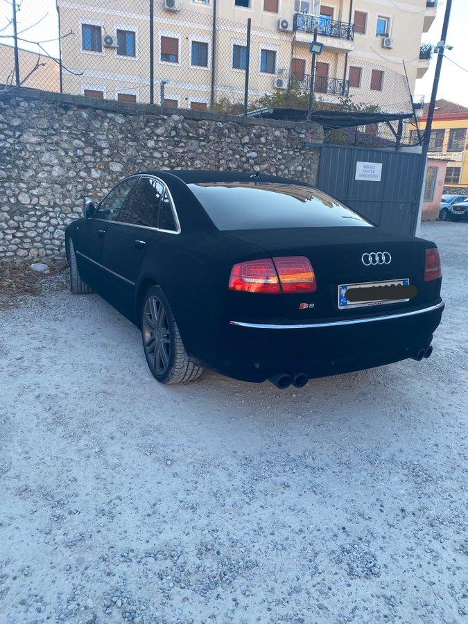 Ekipa s Twittera brutalno se sprda s ovim autom iz Albanije, sve će vam biti jasno kad ga vidite…